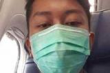 Пассажир упавшего в Индонезии самолета успел отправить жене селфи перед смертью