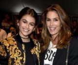 Синди Кроуфорд не хочет участвовать в одном шоу с ее дочь Кайя Гербер: в мире говорят о зависти к молодой дочери