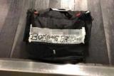 Пассажиров напугала сумка с подписью «бомба»