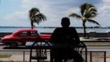 И просит с пониманием отнестись к погрешностям из поездки на Кубу
