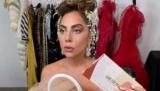 Леди Гага снова берется за косметику: какие тени для ежедневного макияжа представила певица
